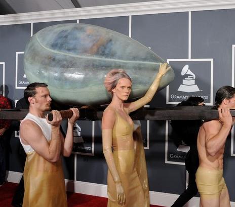 Premios Grammy 2011 - Lady Gaga
