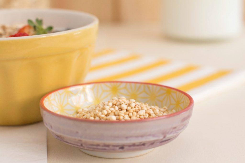 Desayuno sano con cereales - quinoa inflada